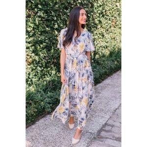 NWT Gal Meets Glam Kiki Maxi Dress Chiffon Floral